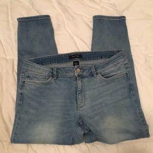 White House Black Market Skinny Crop Jeans Size 12